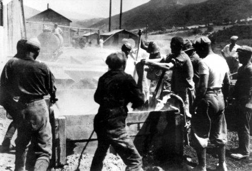Albania 1934 Penkova preparazione per cementazione di una colonna