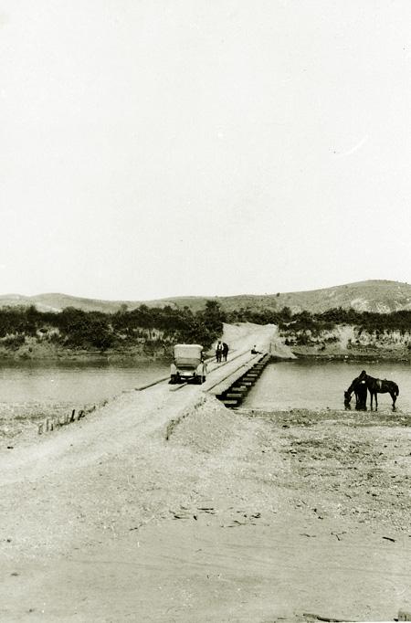 05_1934-ponte-di-servizio-dell-aipa-sul-fiume-devoli