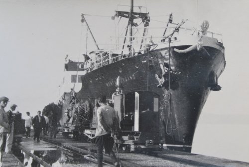 al porto di Valona