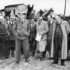 013-1950-visita-al-campo-di-cortemaggiore-pc-dell-ing-mattei-ing-zanmatti-on-de-gasperi-on-vanoni