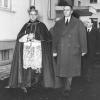 040-1955-ing-mattei-col-cardinale-montini-in-visita-a-metanopoli_0