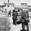 061-1956-enrico-mattei-visita-agli-impianti-di-petrolio-iraniani