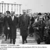 085-1958-mattei-con-lo-scia-di-persia-in-visita-a-metanopoli