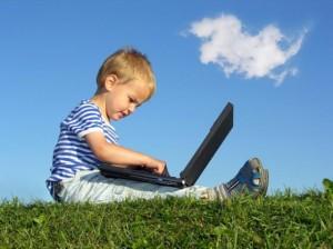 Bambino con PC